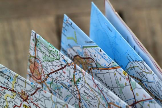 folding-map-360382_1280