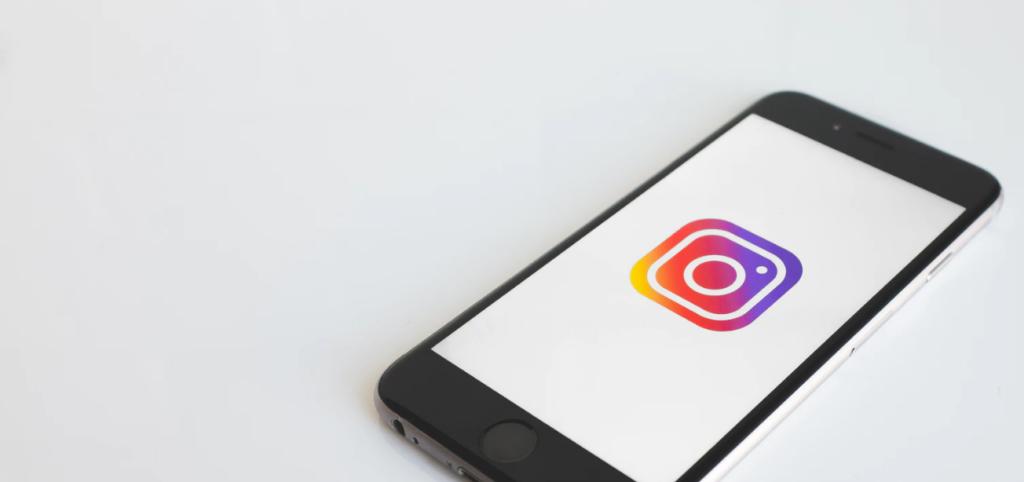 9 B2B Instagram Marketing Strategies (w/ Examples)